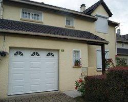 Porte de garage hublots - Mantes-la-jolie - STB l'Espace Fenêtre
