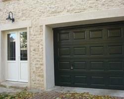 Porte de garage sectionnelle verte - Soindres - STB l'Espace Fenêtre